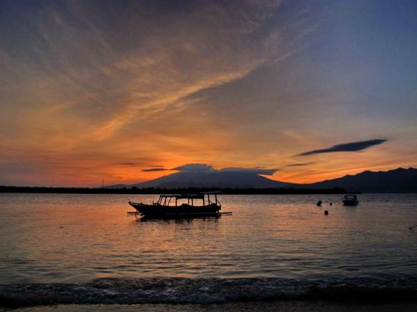 waterfront-hotel-sunrise-rinjani-lombok